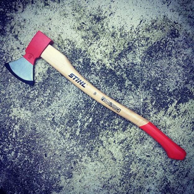 CAMP HOUSE/STIHLの斧