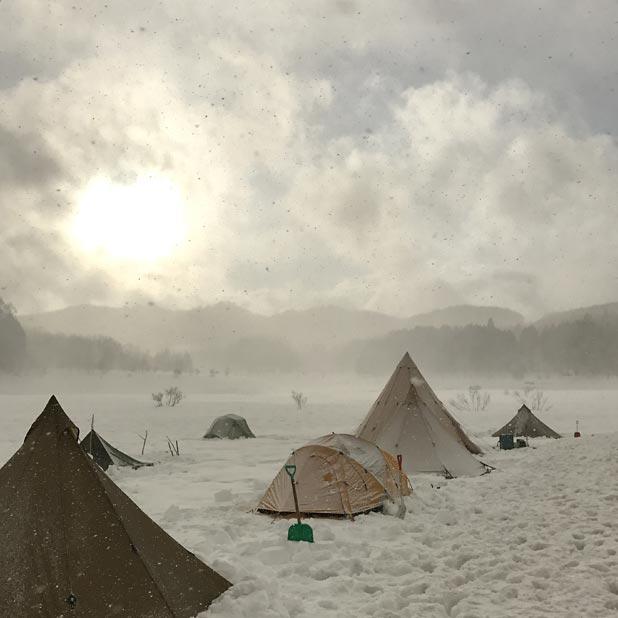 CAMP HOUSE/恩原高原での雪中キャンプ-幻想的なキャンプサイト