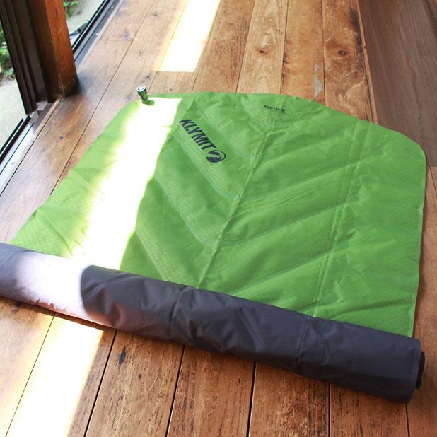 KLYMIT Static V Sleeping Pad(クライミット・スタティック・ブイ・スリーピングマット)は空気を抜きにくいのは本当か