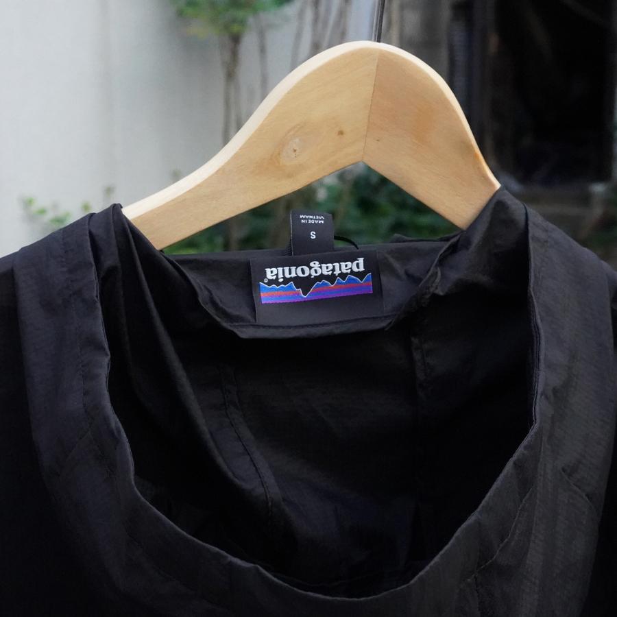 パタゴニア・フーディニ・ジャケット/Patagonia Houdini Jacket 逆さになる襟タグ
