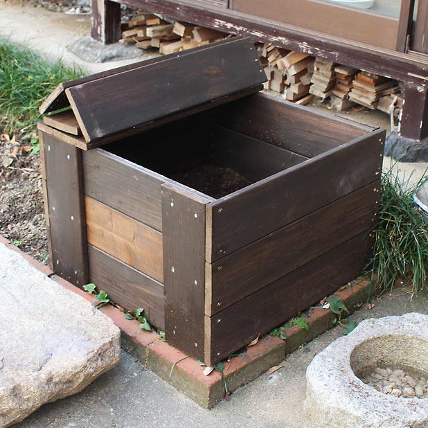 CAMP HOUSE 堆肥ボックスをつくってみた