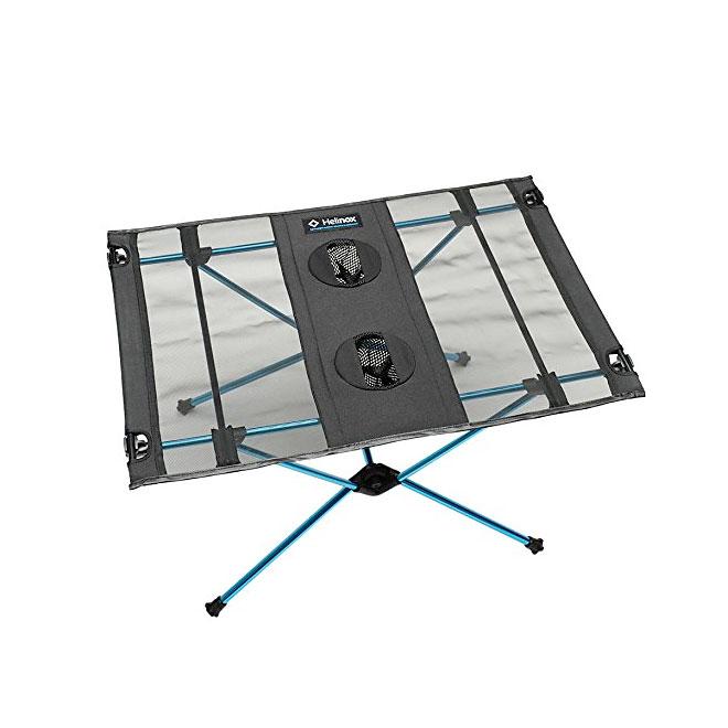 キャンプの道具-テーブル-キャンプハウス